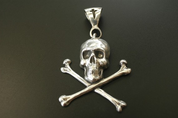 Pirate-Necklace-HiOctaneJewelry